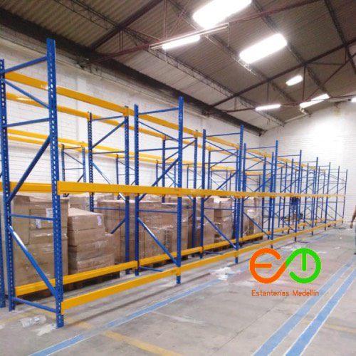 estanteria tipo industrial en Medellin